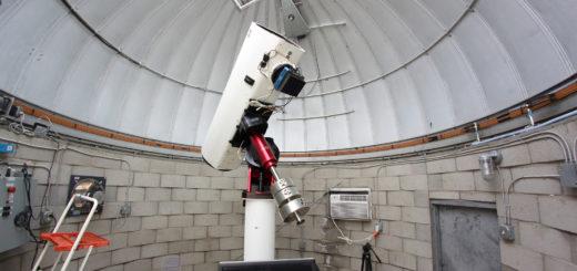 """Il telescopio robotico Tenagra III (""""Pearl"""") disponibile presso il Tenagra Observatories"""