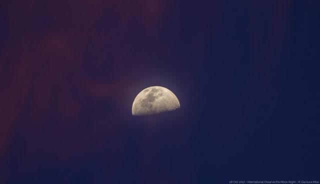 La Luna al tramonto, vestita con colori eleganti, pronta per la festa InOMN 2017 - 28 ottobre 2017