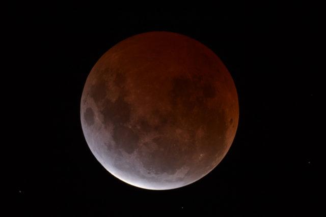 L'eclissi totale di Luna del 4 aprile 2015, trasmesso in diretta dal Virtual Telescope. ph. Dean Hooper