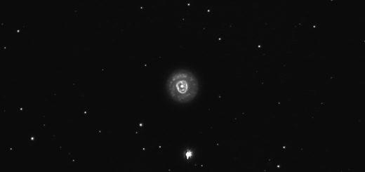"""NGC 2392, la """"Nebulosa dell'Eschimese"""""""